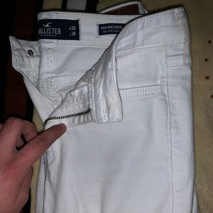 Brand new Hollister Jean $25 dollars only!!
